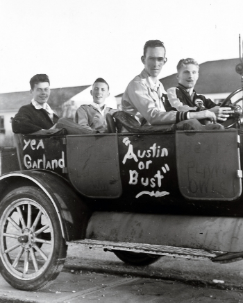 Members of Owl Football Team Driving to Playoffs