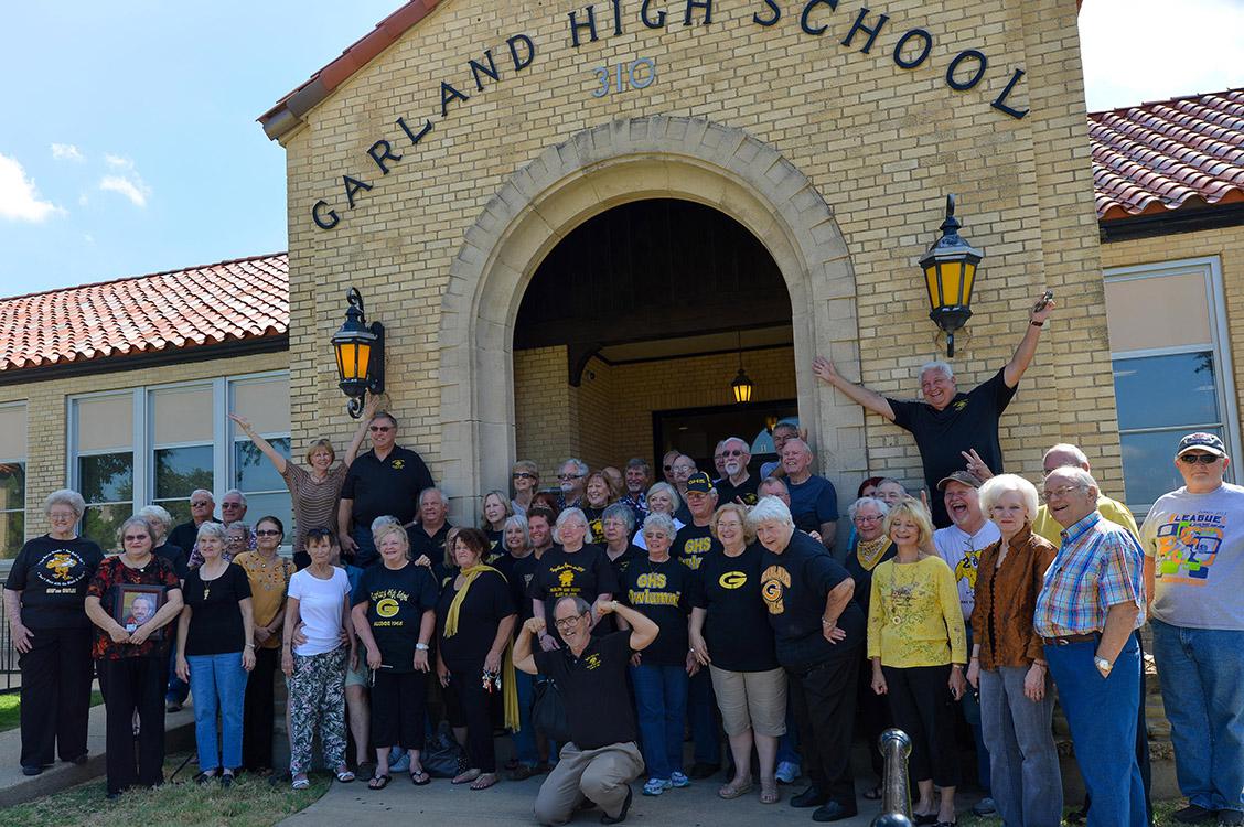 GHS Alumni in front of GHS